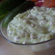 Osvěžující okurkový salát recept
