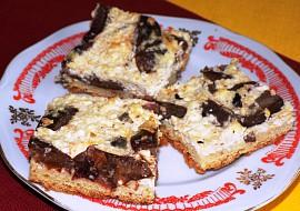 Tvarohovo – švestkový koláč se sněhem recept