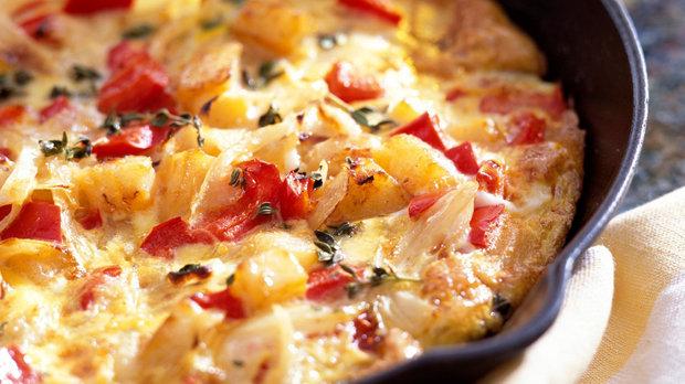 Frittata s bramborami a červenou paprikou