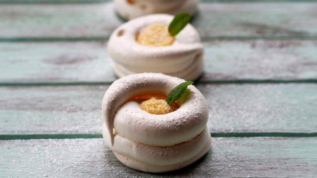 Sněhové dortíky s lemon curd