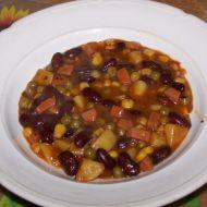 Fazolový guláš s bramborami, uzeninou a zeleninou recept