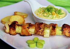Pórkovo  kuřecí špíz s curry dipem recept