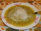 Brokolicová polévka s rýžovými nudlemi recept