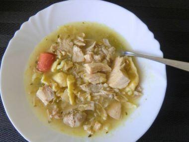 Slepičí polévka s bramborami a zeleninou