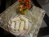 Trubičky z listového těsta s bílkovou nádivkou recept