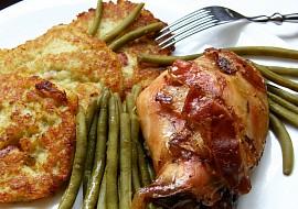 Králík na jalovci s bramboráčky s nivou recept