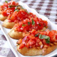 Bruschetta s rajčaty a krémovým sýrem recept