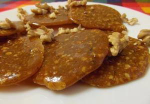 Karamelové placičky s ořechy