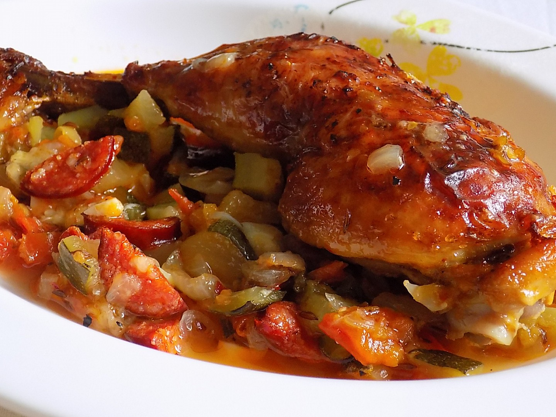Kuřecí stehna na pikantní zelenině recept