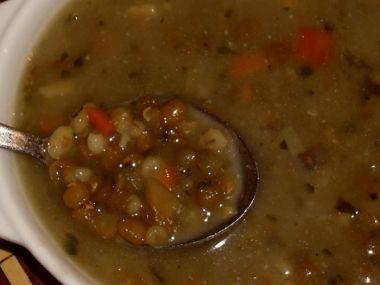 Míchaná luštěninová polévka