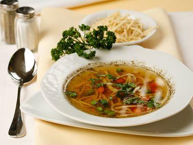 Hovězí polévka se zeleninou