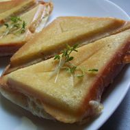 Toasty se sýrovým máslem recept