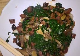 Japonský salát se špenátem a hlívou recept
