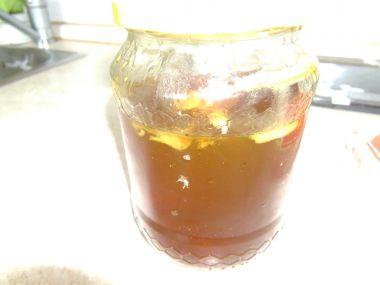 Tradiční domácí pampeliškový med
