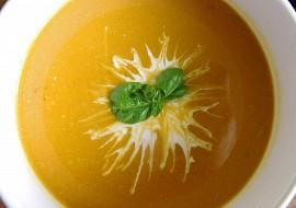 Polévka z dýně, mrkve a žamponů recept