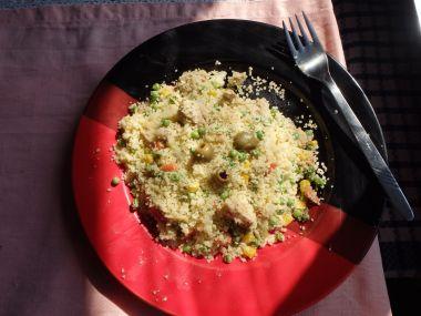 Kuskusový salát s kuřecím masem