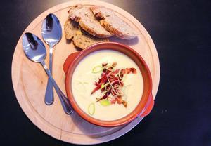 Celerová krémová polévka se schwarzwaldskou šunkou  Recepty ...