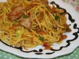 Kuře se sezamem a čínskými nudlemi recept
