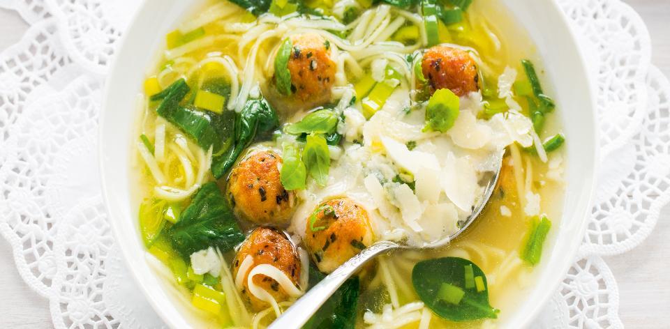 Polévka po italsku s kuřecími knedlíčky