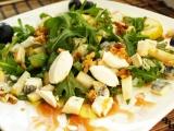 Rukolový salát pro milovníky kozích sýrů recept