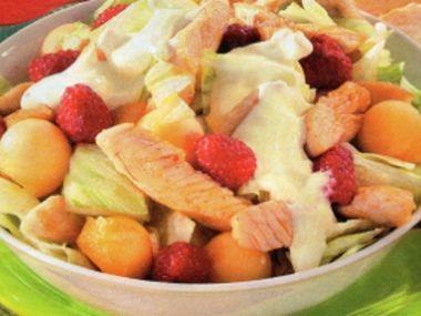 Ovocný salát s krůtím masem a melounem
