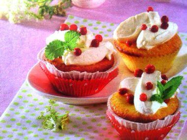 Brusinkové muffiny ze zakysané smetany
