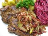 Krkovička s cibulí a slaninou recept