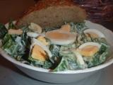 Salát z čerstvého špenátu s vejci recept