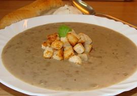Čočková polévka s česnekem  jednoduchá recept