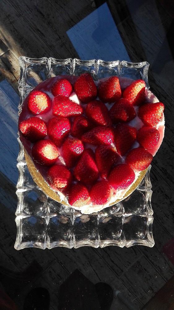 Jahodové srdce z celozrnné mouky s krémem mascarpone recept ...