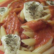Rajčatové těstoviny s mozzarellou recept