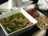 Slavnostní polévka z nadívané slepice recept