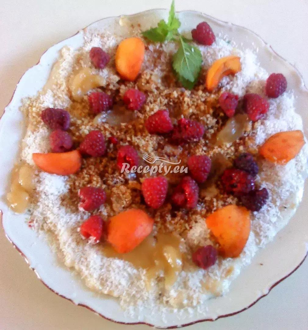 Quinoová kaše s mandlemi, meruňkami a oříšky recept  předkrmy ...