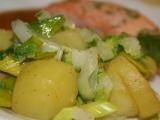 Teplý a šťavnatý bramborový salát recept