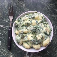 Gnocchi s kuřecím masem, smetanou a špenátem recept