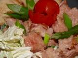 Salát s teplou šunkou z konzervy recept