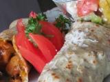 Bylinkové palačinky s kuřecí a zeleninovou směsí recept ...