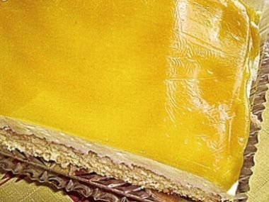 Řezy žluté slunce