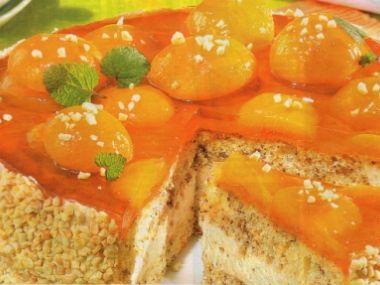Meruňkovo-ořechový dort
