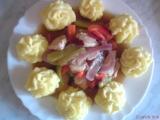 Kuřecí medailonky se zeleninou a bramborové hromádky recept ...