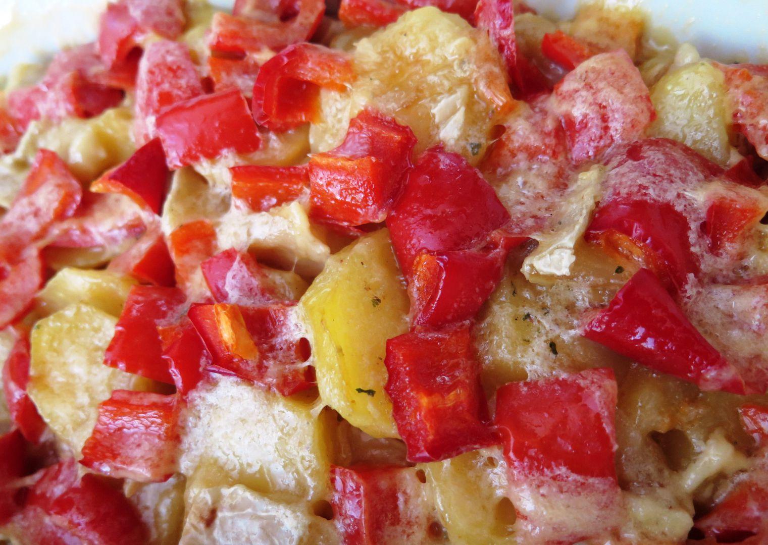 Zapečené brambory se sýrem a kapií recept