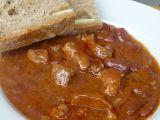 Fazolový guláš s vepřovým masem recept