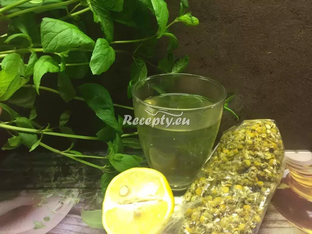 Čaj proti žaludečním potížím recept  teplé nápoje