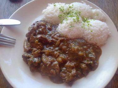 Kuřecí játra na cibulce s rýží