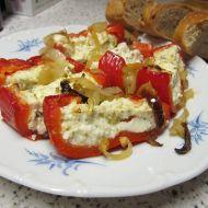 Zapečené papriky plněné balkánským sýrem recept