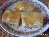 Drobenkový koláč s broskvemi a ovocným pudinkem recept ...