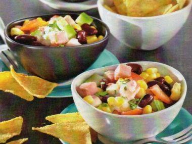 Mexický salát s nachos