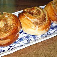 Kynutý jablečný koláč s perníkovým kořením recept