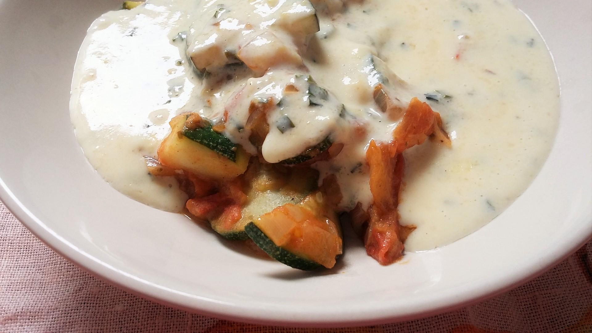 Restovaná dijónska zelenina v polentovo-sýrové omáčce recept ...