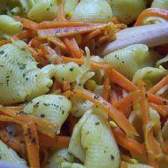 Těstovinový salát s teplou zeleninou recept
